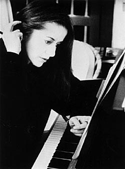 النی کارایندرو (Eleni Karaindrou)
